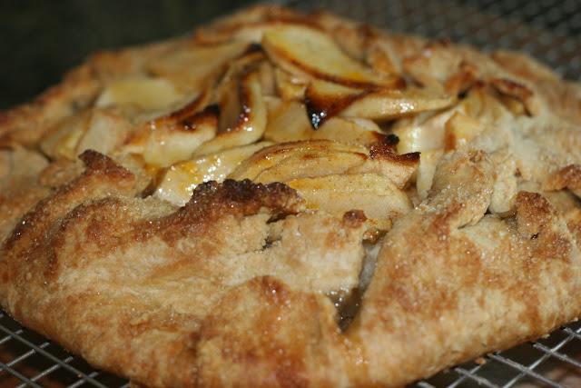 Weekend Dessert: Rustic Apple Tart