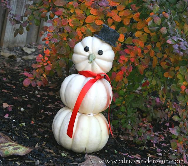 Frosty, the Pumpkin-Snowman! {Easy DIY Craft}