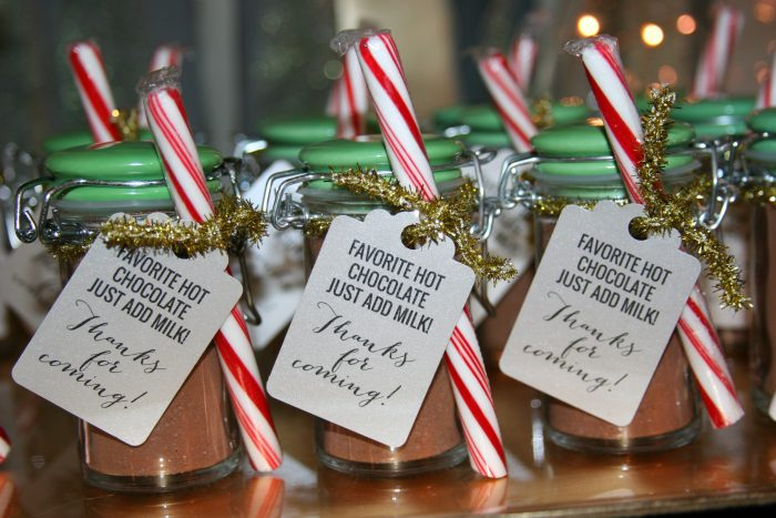 DIY Peppermint Hot Chocolate Party Favors