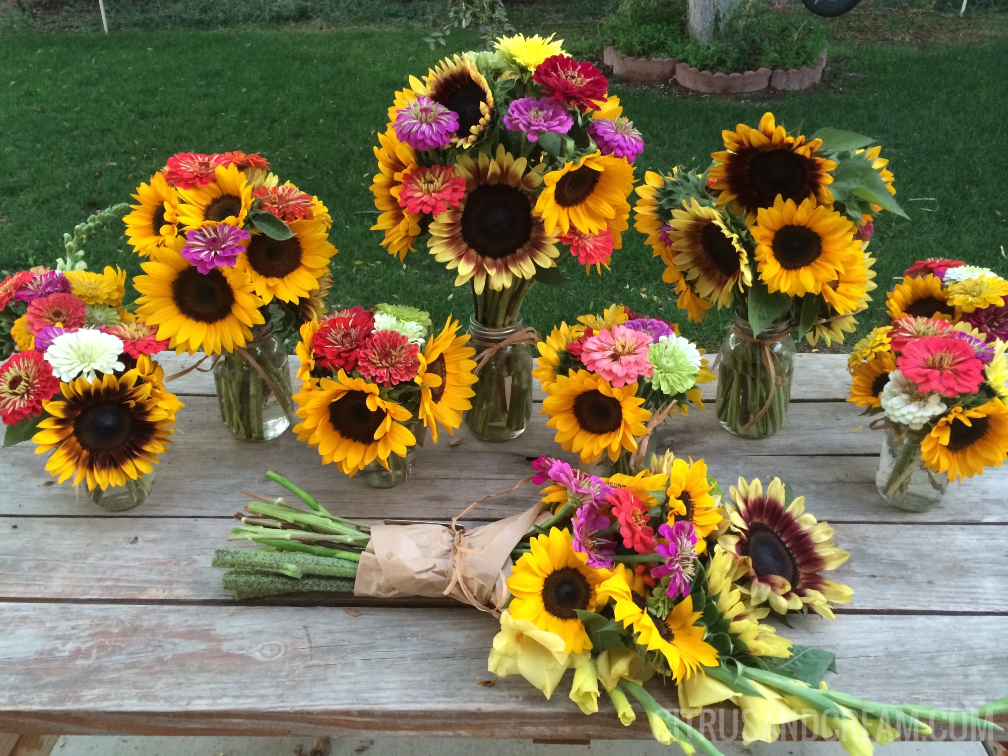 Fall Flower Arrangement Recipe Tips From The Flower Farm How Sweet This Is