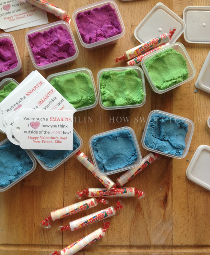 Kinetic Sand Valentine's Day Favors