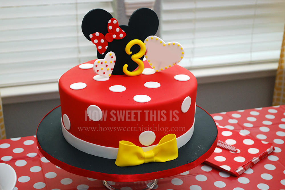 Minnie Mouse Black And Red Cakes